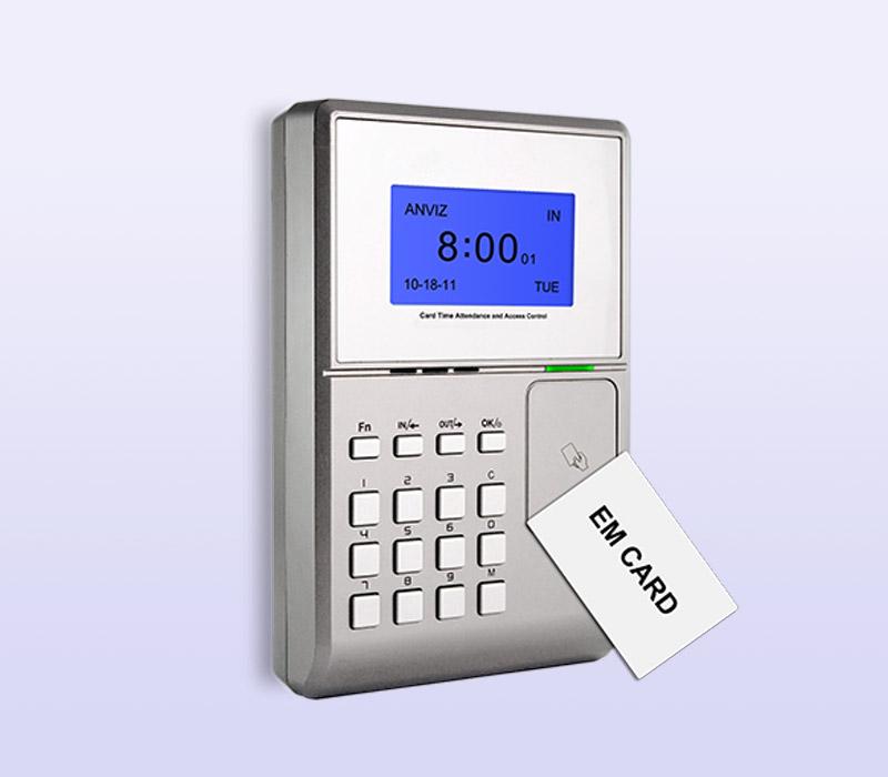 Control de acceso y fichaje entradas y salidas por tarjeta identificativa