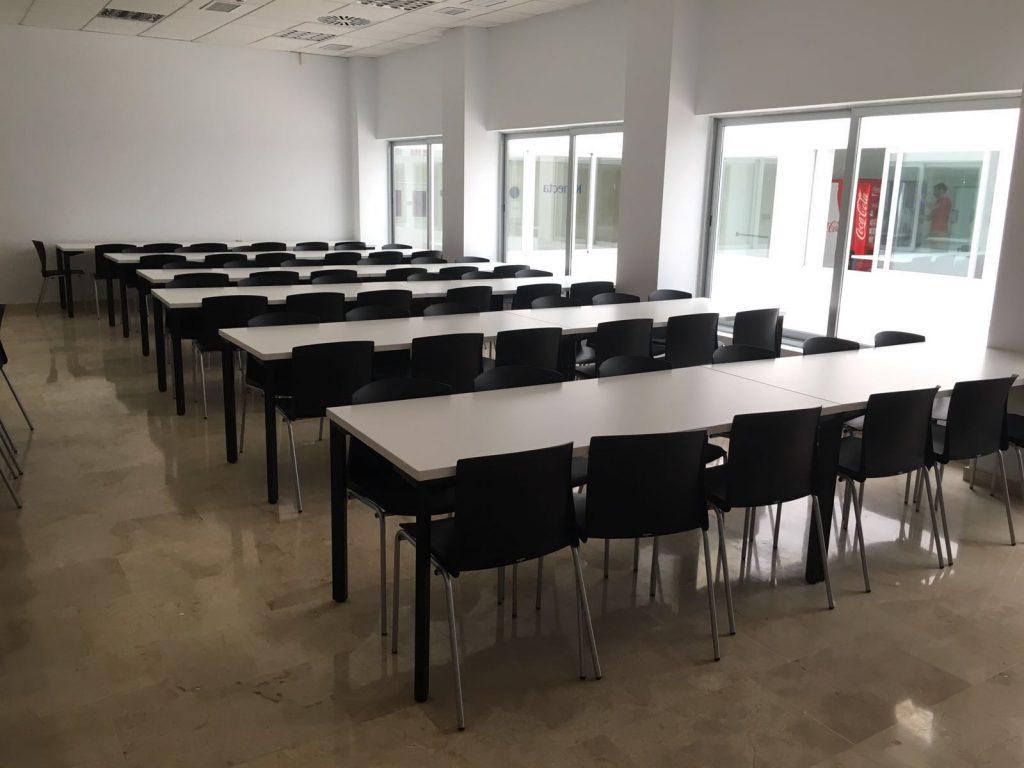 Mobiliario de sala de formación en Call Center