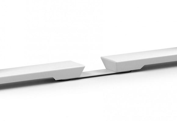 Pletina unión bench, posibilita la equidistancia entre mesas evitando la colisión entre ellas
